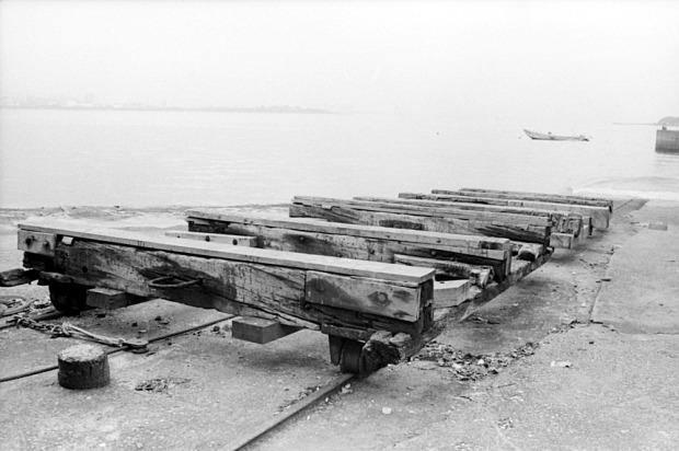 Boat rails